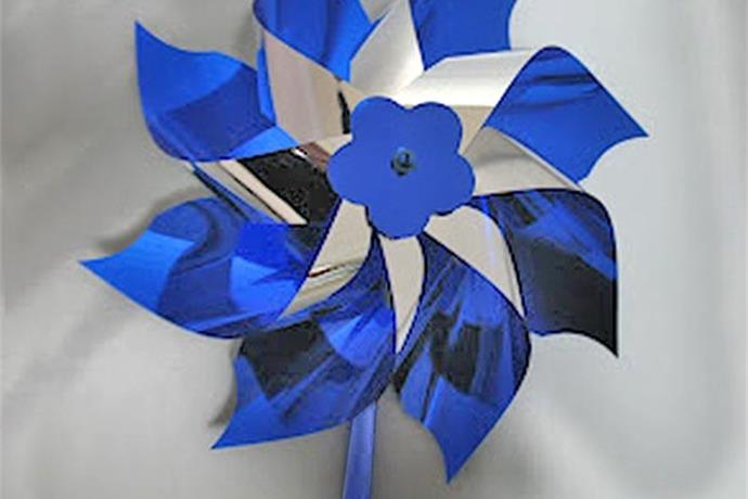 Organization Uses Pinwheels to Reduce Child Abuse_-139384450296755026