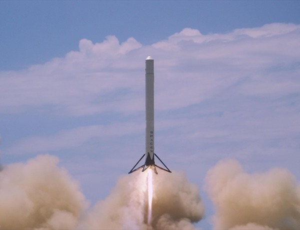 SpaceX_3648773714656313418