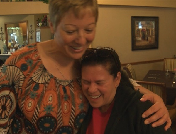 Woman Pays It Foward to Help Local Seniors_2971093339024212681
