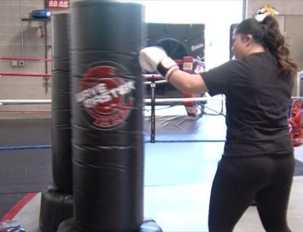 MMA fighter Mom_1908358645925693798