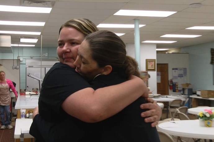 Archer Woman Gives Back For Help Family Recieved_1027540396282956515