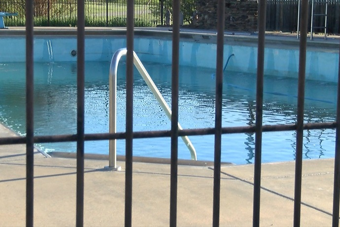 Archer City Pool_-8872098718702090713