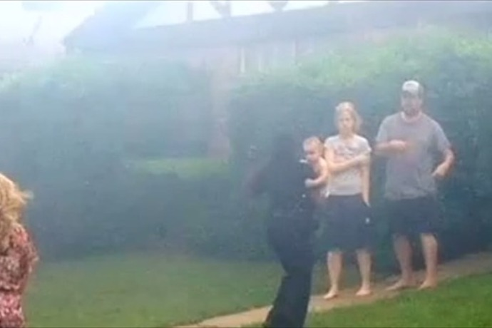 Officer Saves Baby_7394827352405984052