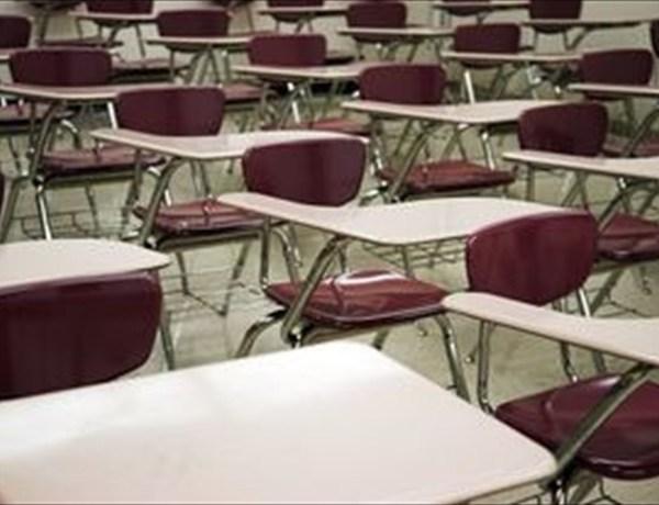 School chairs_-8633371357161436152
