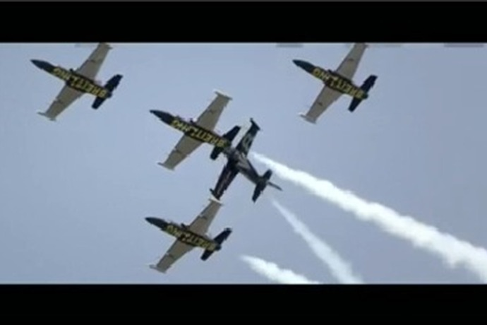Planes in Formation_-1569025897308467591