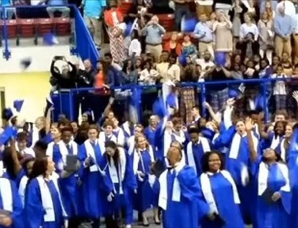 Graduation_1987118848972048112