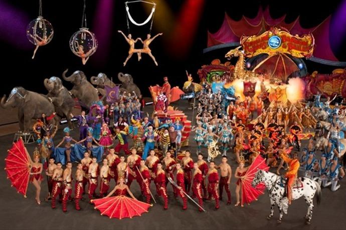 Ringling Bros. and Barnum & Bailey Circus_8432404638623154325