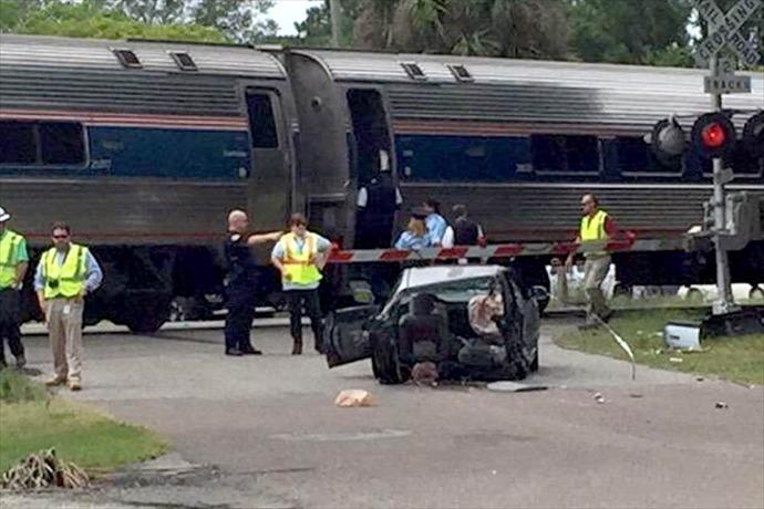 Amtrak crash in FL_-6790639891241155556