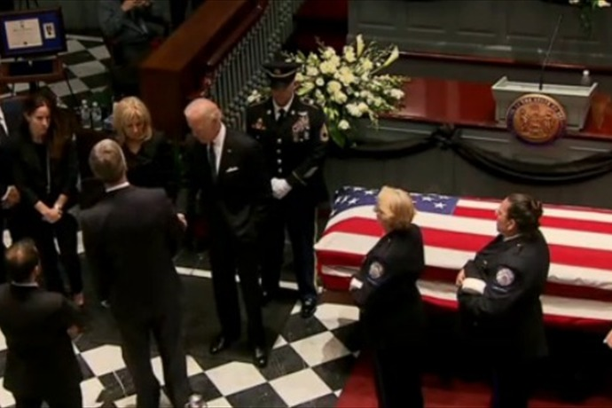 Mourners Pay Respects to Beau Biden in Delaware_-3651600366169339330