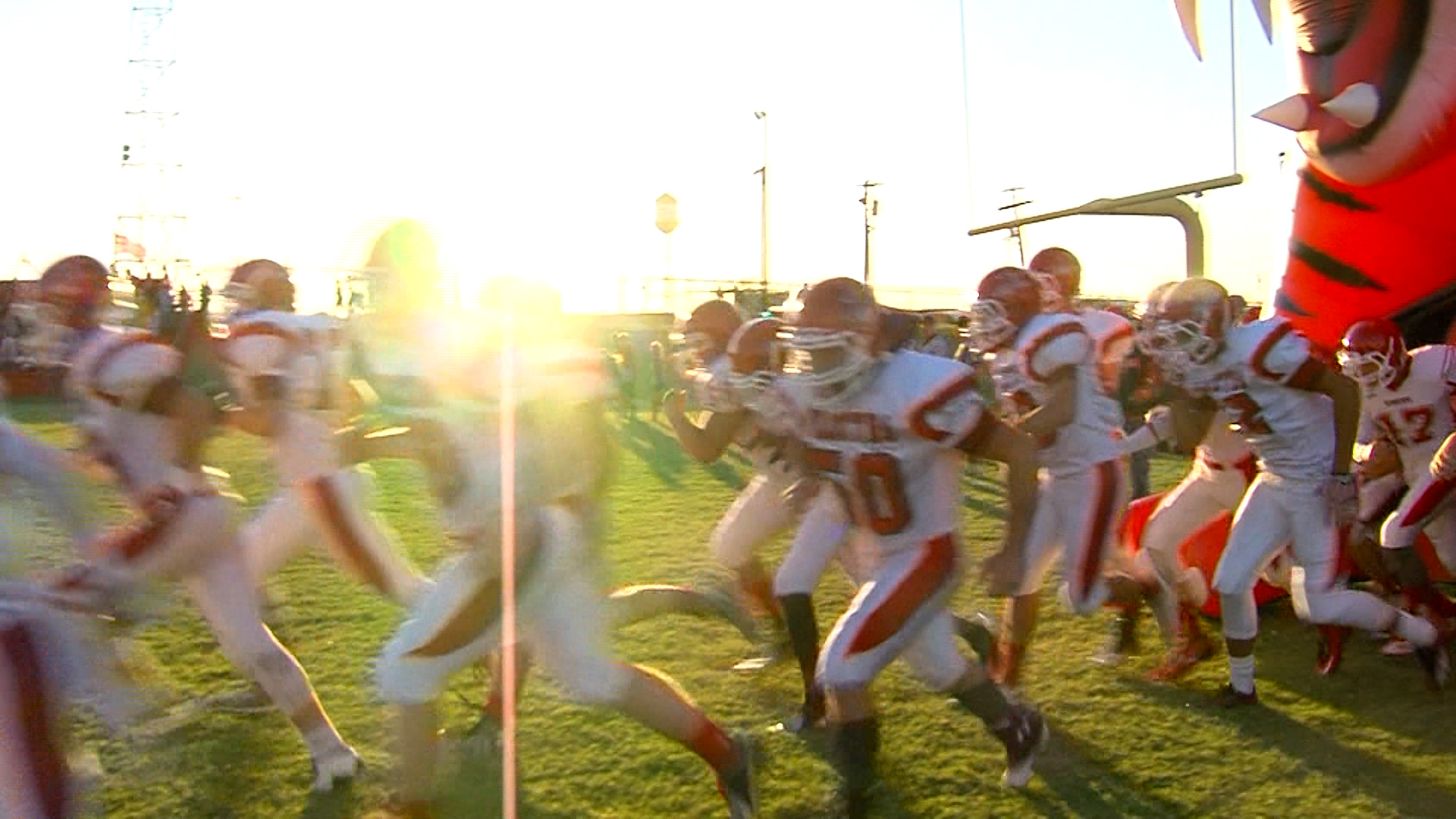 2016 FNF PREVIEW ELECTRA TIGERS.Still001_1470623760563.jpg