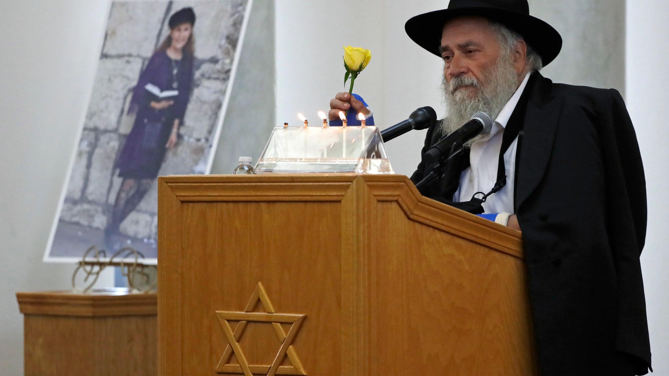 Synagogue-Shooting-California_1556590132858