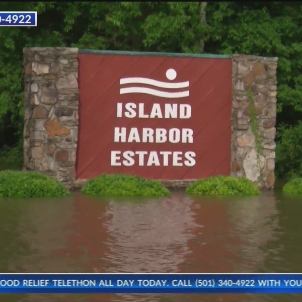 Pine_Bluff_homeowners_ready_for_flood_to_0_20190606031132-118809306
