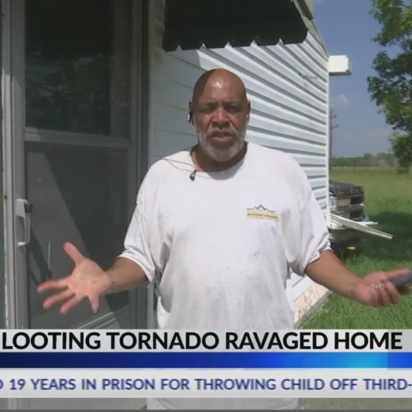 Thieves_looting_tornado_ravaged_home_0_20190604032650-842162556