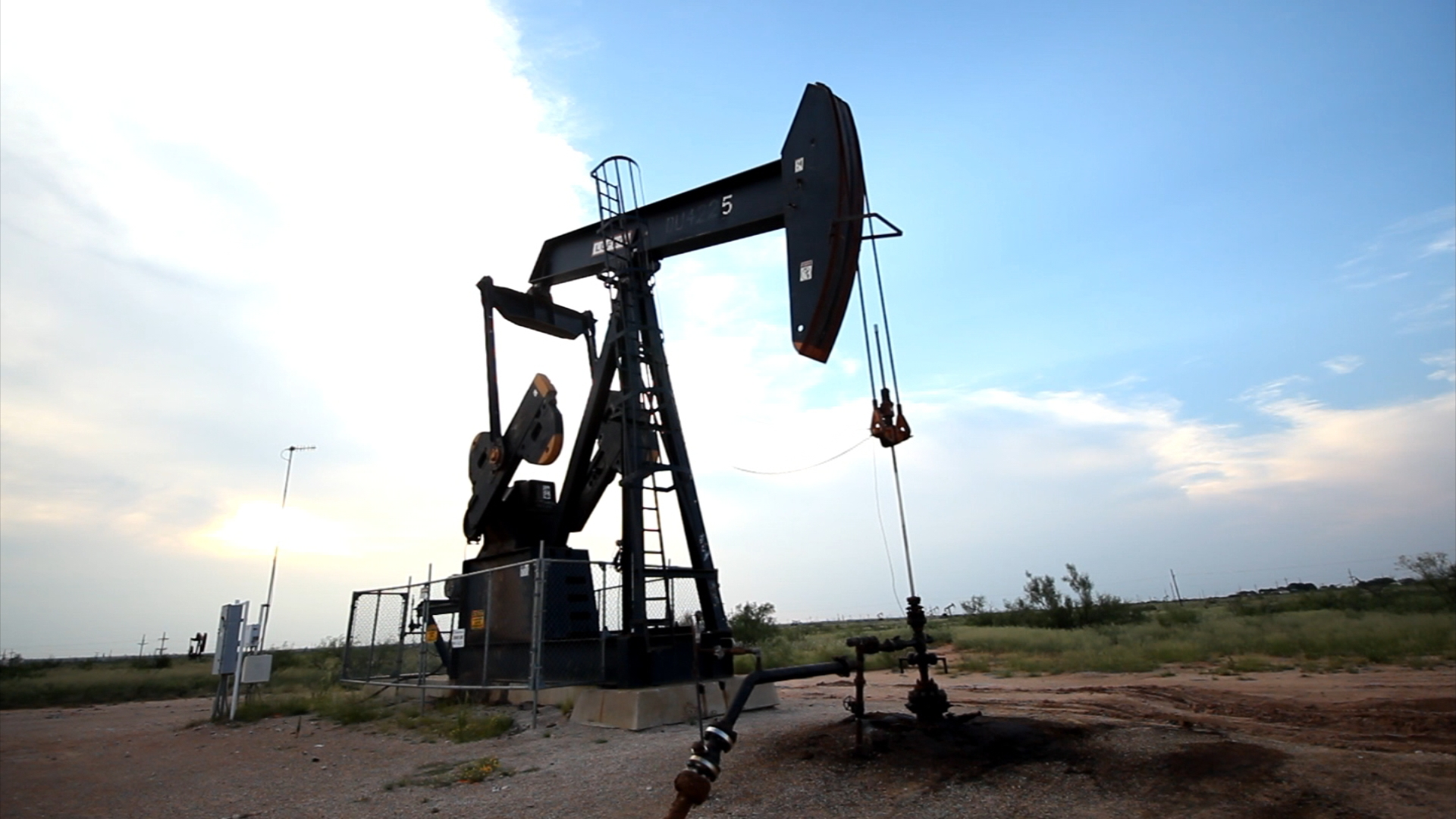 Oil production, jobs in Texas expected to be cut after trading ...