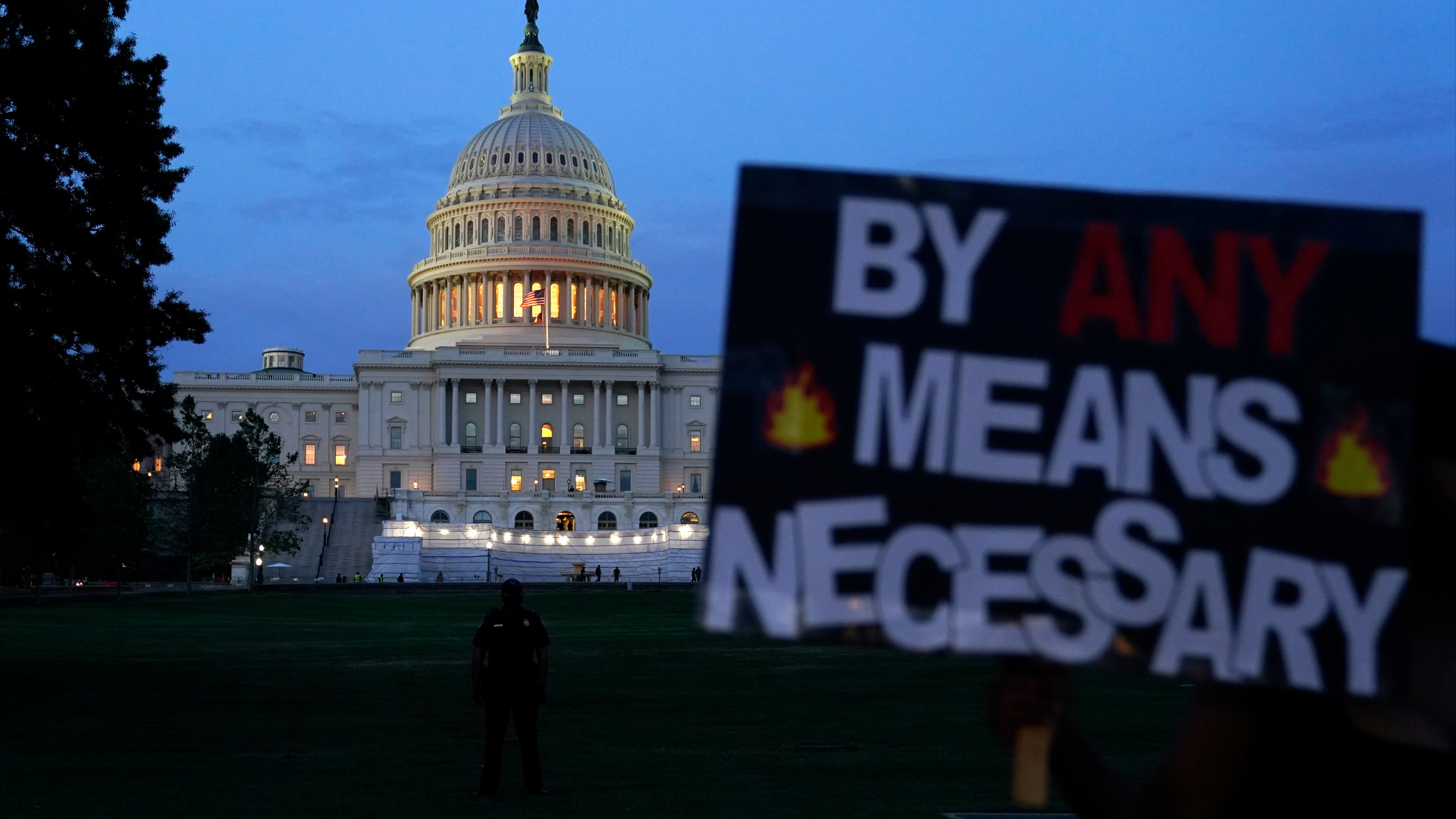 Protesters Converge On White House For Second Straight Day Texomashomepage Com