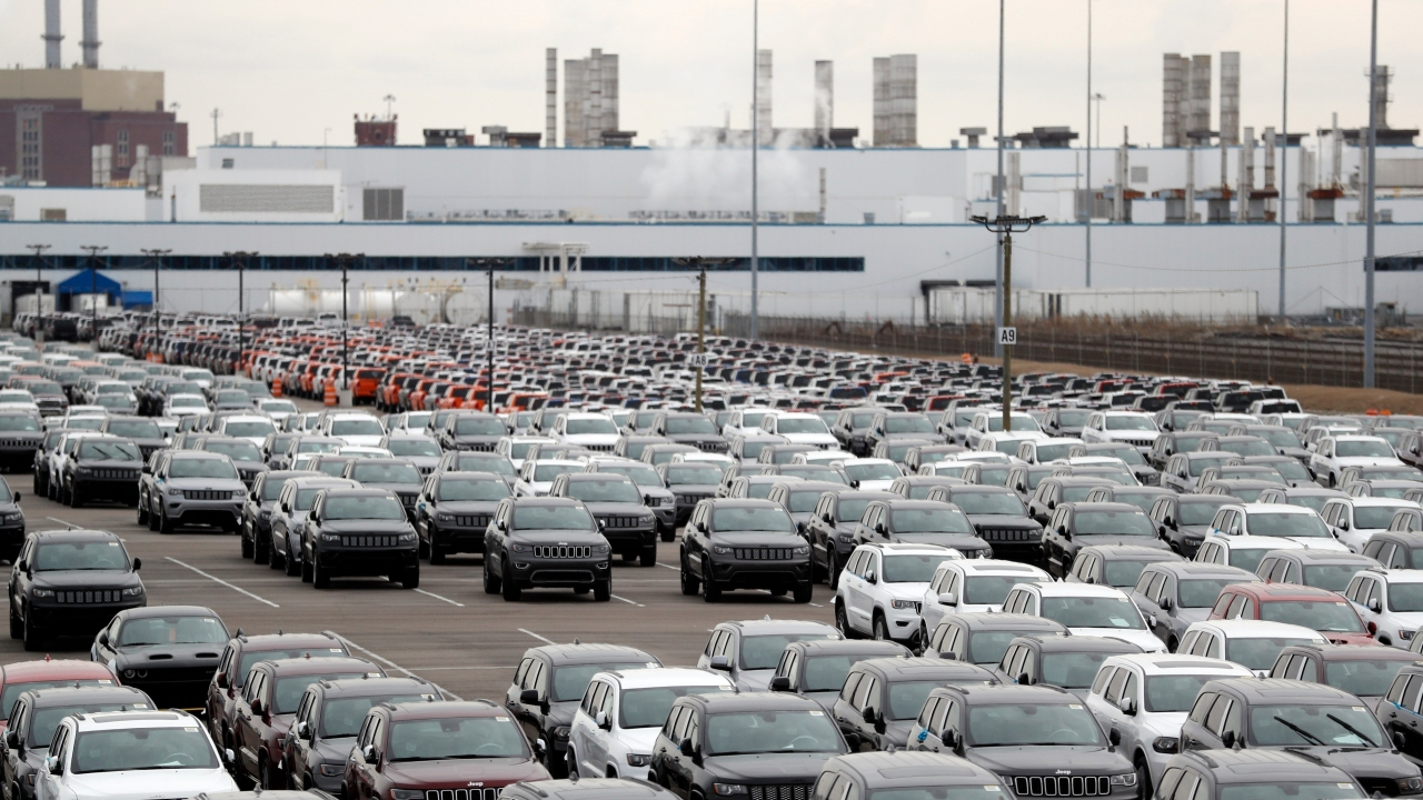 Auto Workers' Tenuous Return A Ray Of Hope In Jobs Crisis