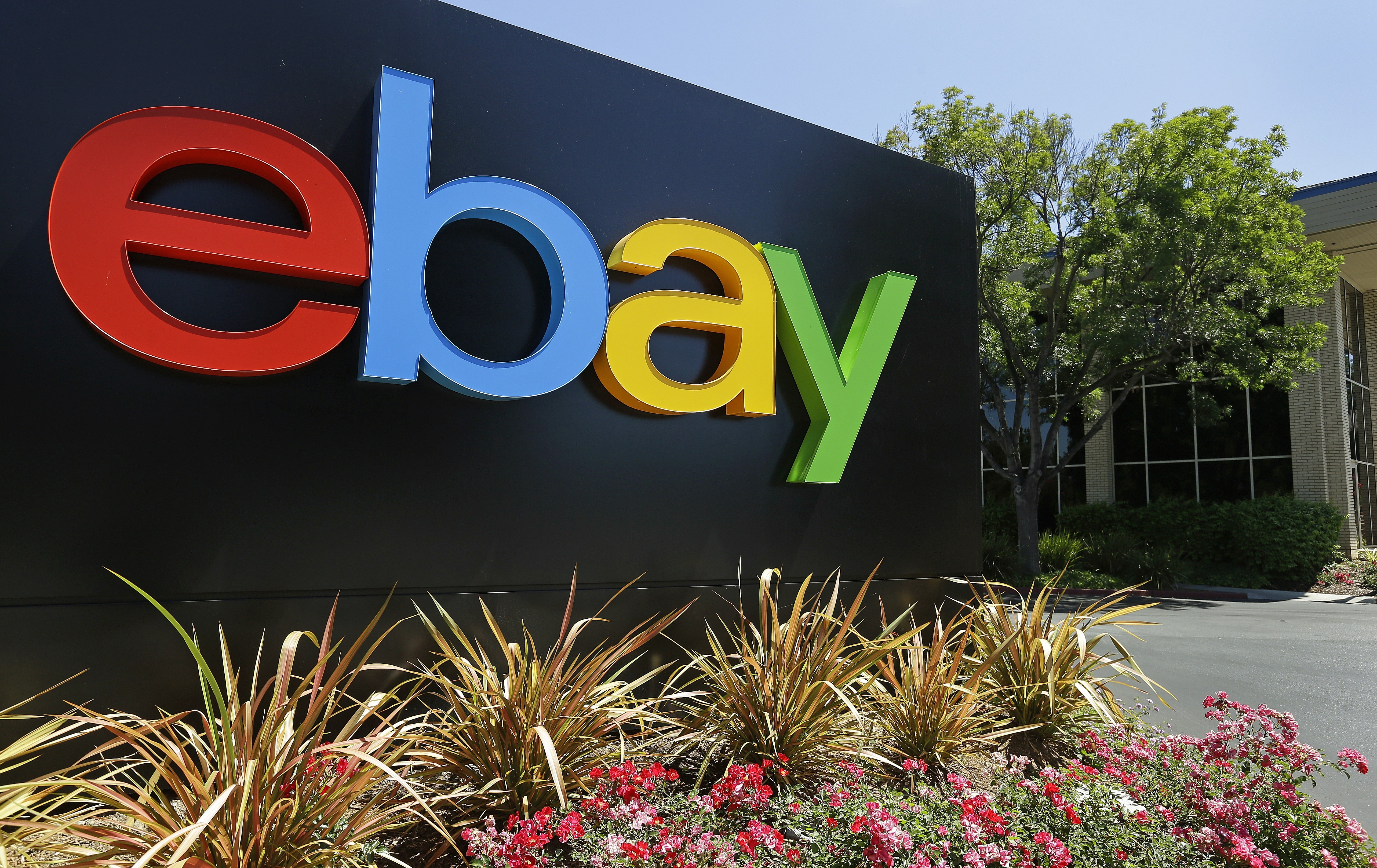 Feds Ebay Staff Sent Spiders Roaches To Harass Couple Texomashomepage Com